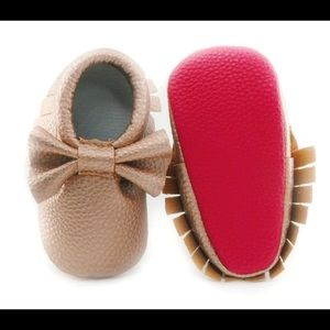 Other - Baby Girls Rose Gold Bow Moccasins